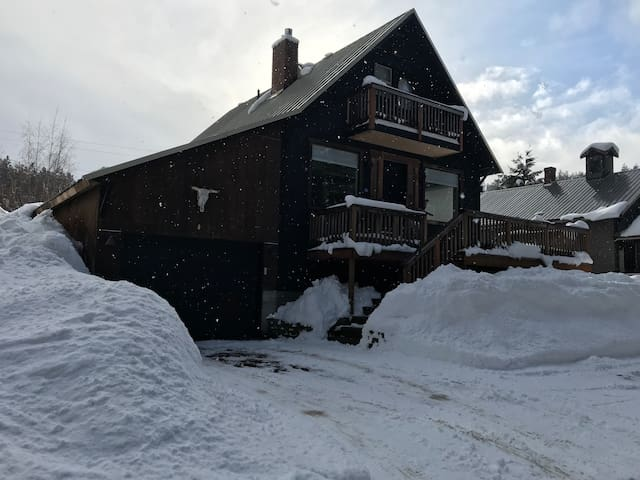 Pet-Friendly, Steps to Roslyn & 5 min to Suncadia