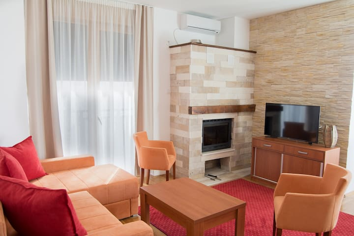 Luxury apartment in Zlatibor with a view to Tornik