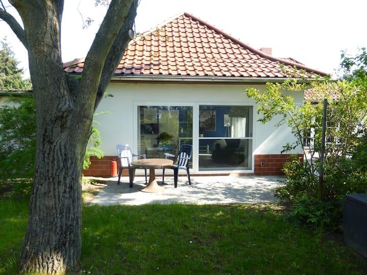 55m² Ferienwohnung mit Terrasse, im Grünen,