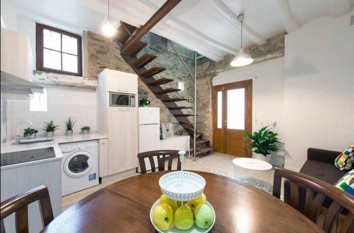 'UNIQUE FISHERMAN'S HOUSE' 3 BED 2 BATH 6PP MRHBA