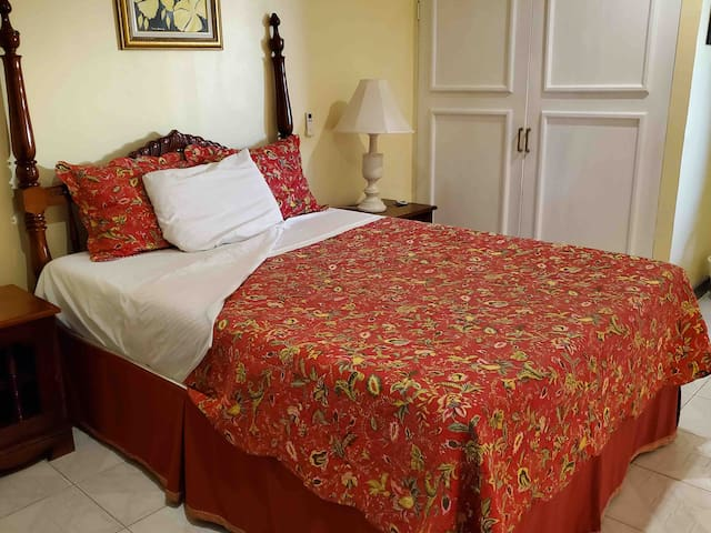 Yellow rose room with one double bed/ensuite bathroom. This room is adjacent to bunk house.