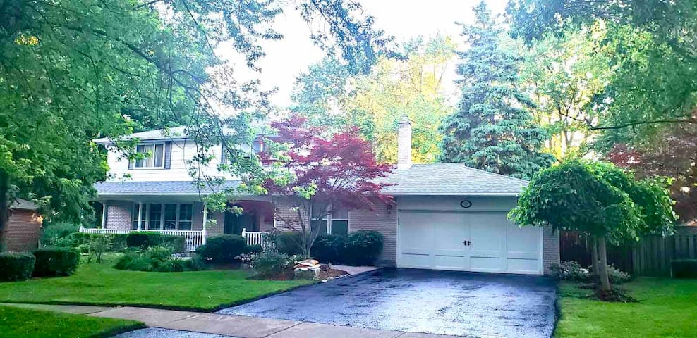 5Bed4Bath 4500ft Luxury Home PROFESSIONALY CLEANED