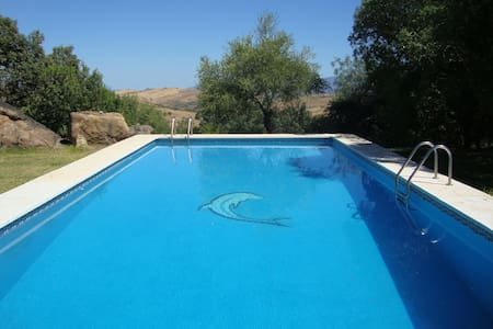 Private Finca with pool, up to 13 people - Casarabonela - Hus