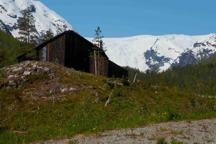 Sjarmerende hytte med utsikt til isbreen