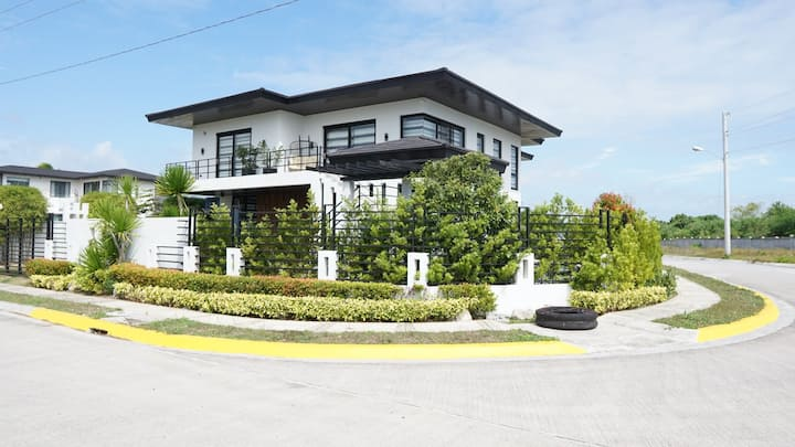 La Sevilla (20 up to 26 Pax) in Laiya Batangas