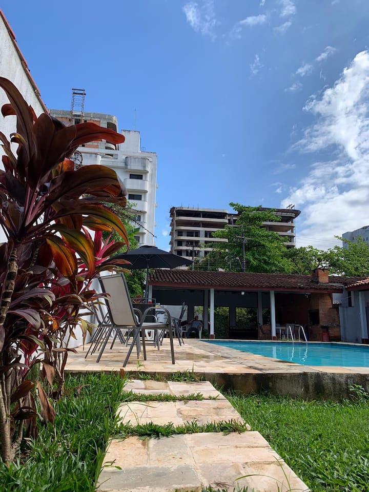Espaço para descanso e conforto  Enseada/Guaruja