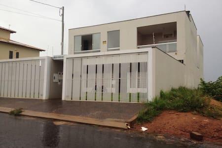Apartamento 3 Quartos até 6 hospedes Garagem 100m²