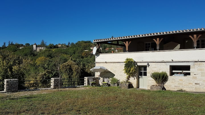 Apartment for 2 with great views near Cahors