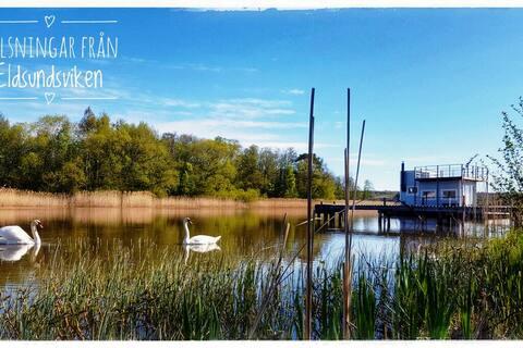 Husbåten Frideborg, i hjärtat av Mälardalen.