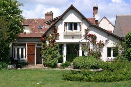 Belle maison au calme près de Paris et Normandie - Villemeux-sur-Eure - Casa