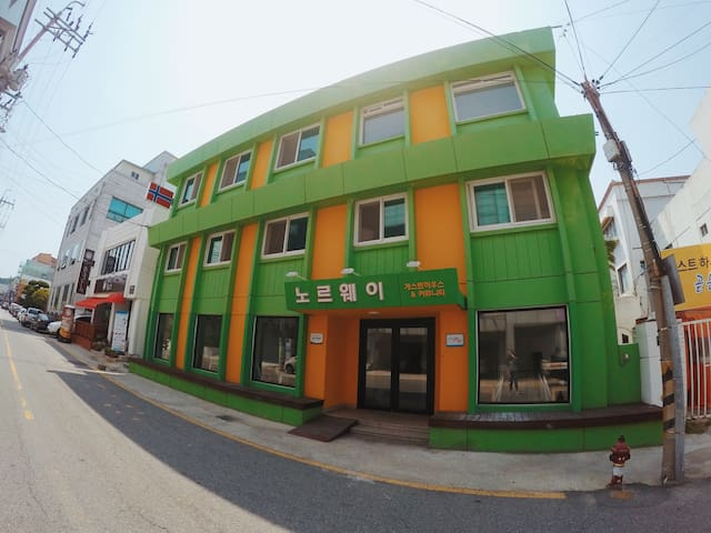 Mokpo Norway Guest House (male 6 beds room)