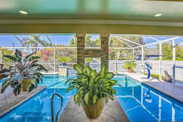 'Villa Chloe' w/ Private Pool & Outdoor Kitchen!