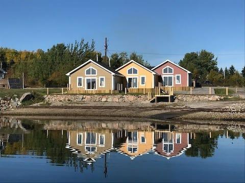 OceanWave Cottages - Unit B