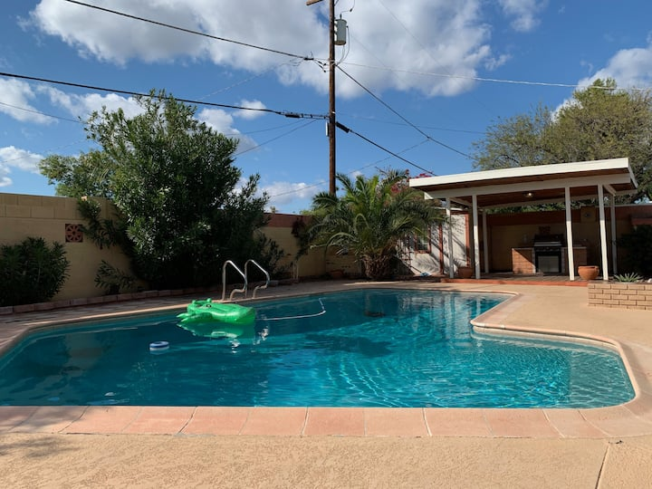 Private Casita with Pool & BBQ in Historic Melrose