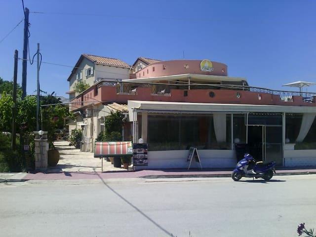 Modern 2-room appartment close to Tsilivi beach