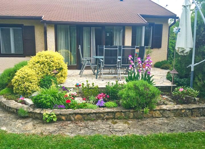 Balaton Charm Cottage, Your house in Balatonfüred