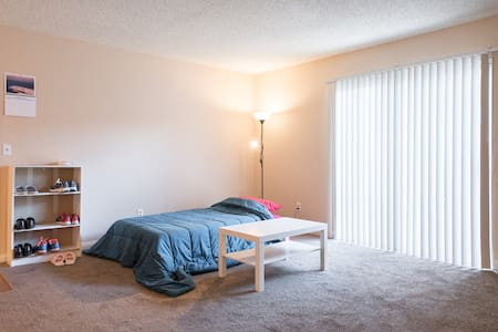 Clean sofabed. STRIP,AIRPORT,NVLV - Las Vegas - Apartment