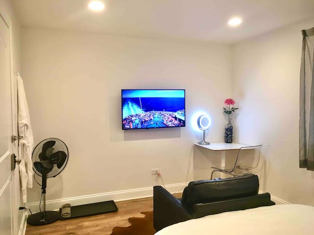 #2 Hyde park PRIVATE luxury newly furnished room