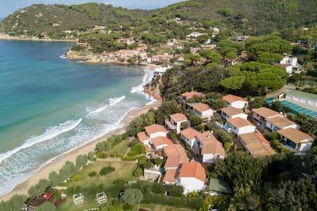 Beautiful Apartment 50 mt from la Biodola beach