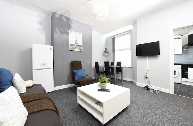 Budget 3bed Close to city slps 8(29)