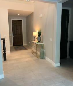 4 Bedroom Home w/ Recording Studio/ Office