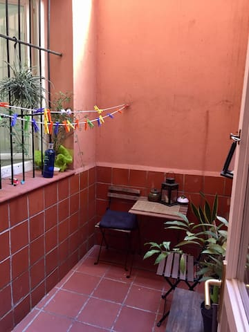 Cozy and Quiet bedroom in the Heart of Chueca