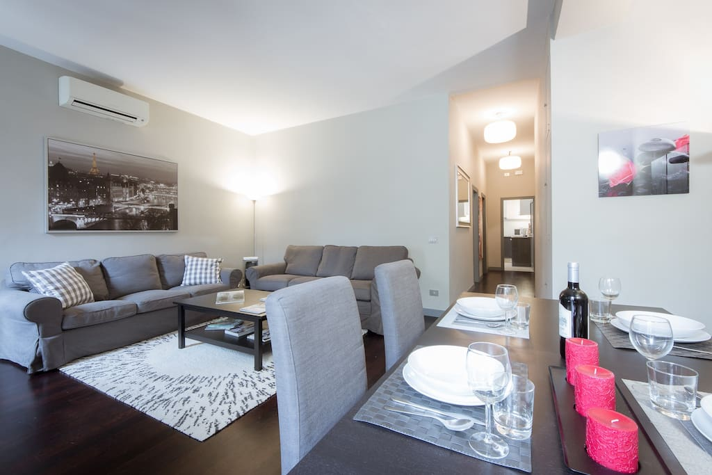 Stylish and Comfortable 1 Bedroom apartment by Santa Croce-  with Elevator