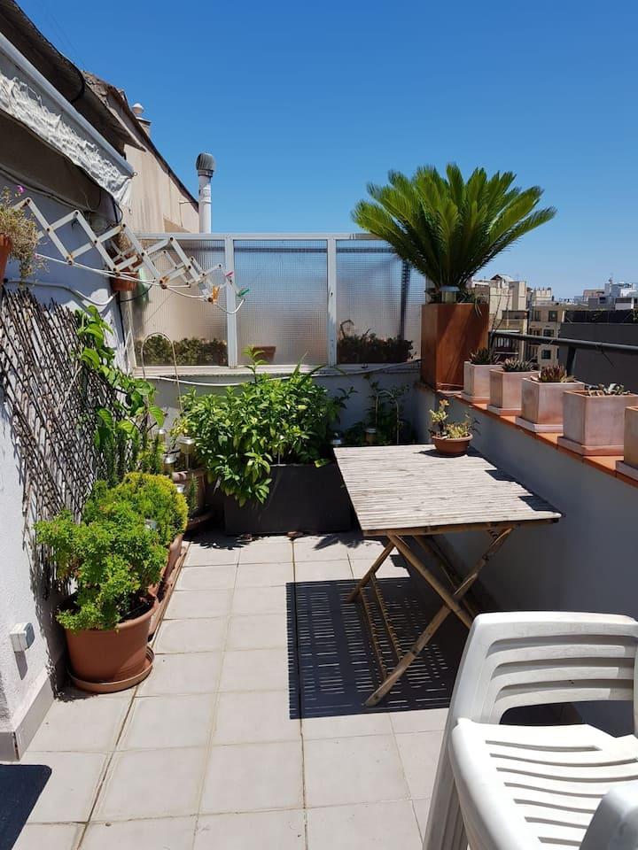 Romantic attic terrace netflix.wifi