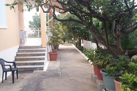 Summer House FOR RENT - CRETA, GREECE - Kokkini Hani - Ev