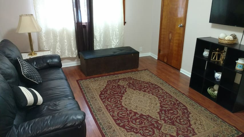 1 bdr private, Cozy Apt in Village of Bridgeport
