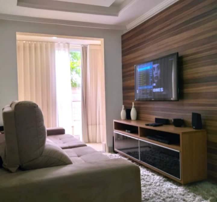 Jardim Camburi - Ótimo 3 quartos a 100 m da praia!