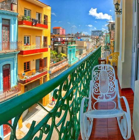 Casa Silda y Alberto (balcony included!) - La Habana - Appartement