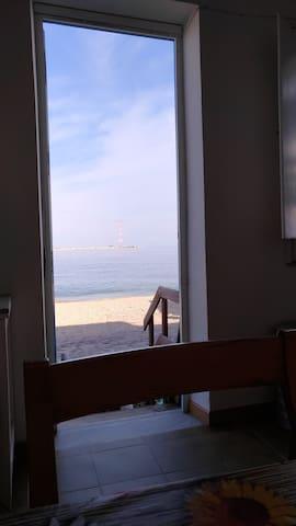 Da Nonna Mimma.Casa al mare, in riva allo stretto. - Villa San Giovanni - Apartemen