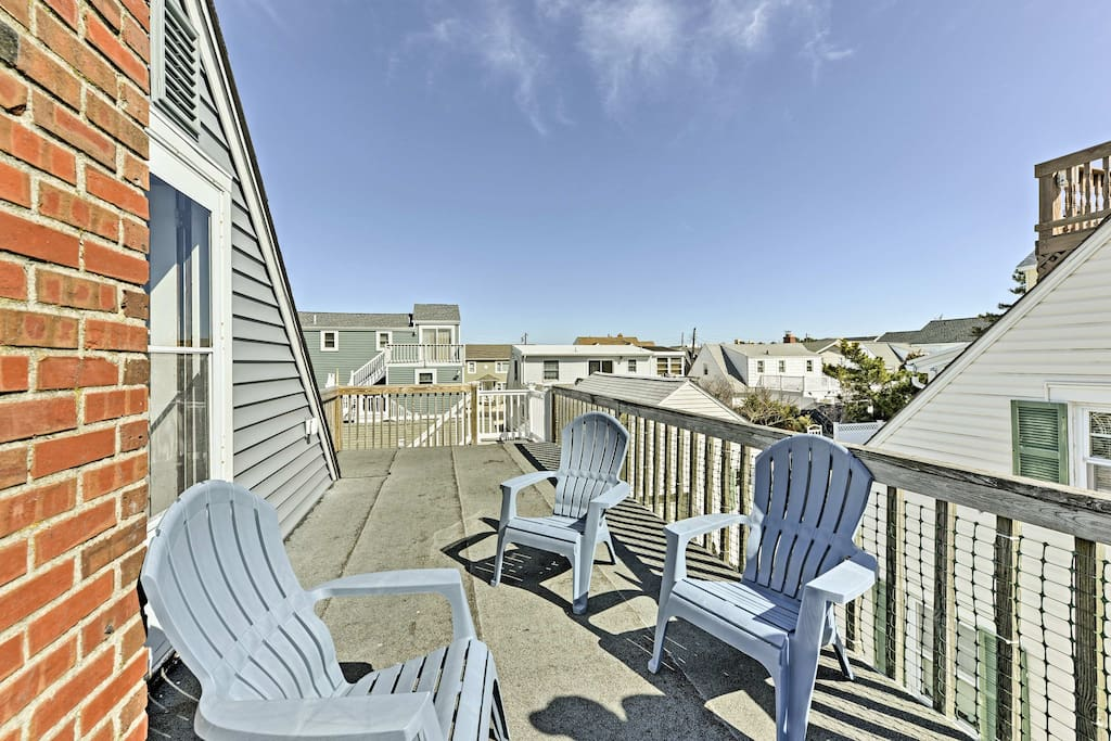 This 4-bedroom, 1.5-bathroom vacation rental house is ideal for 8 guests.