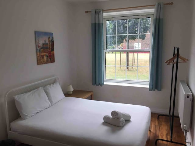 Stay in Central London in Zone 1 (COV)
