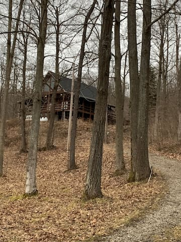 Humming Bird Hill Log House
