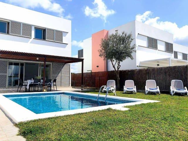 Villa d'Aina * Propiedad privada con piscina