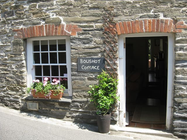 Bowshot Cottage