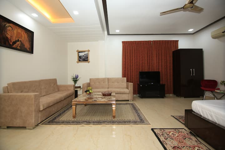 Suite in farmstay-Gurgoan