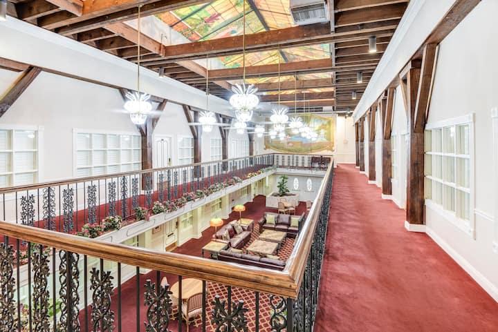 Warehouse District One Bedroom Suite ..
