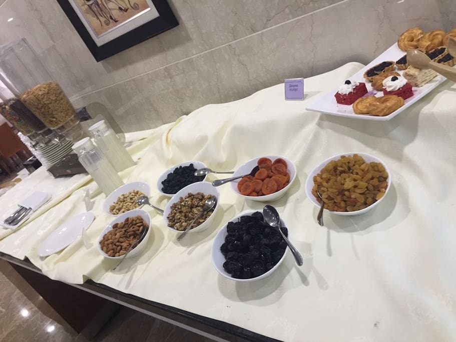 Breakfast open buffet 2