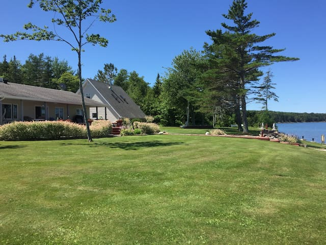 Cape Breton - Dundee Private Lakeside Retreat