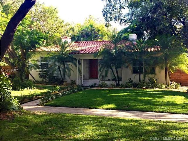 Charming house with beautiful graden - Miami Shores - House