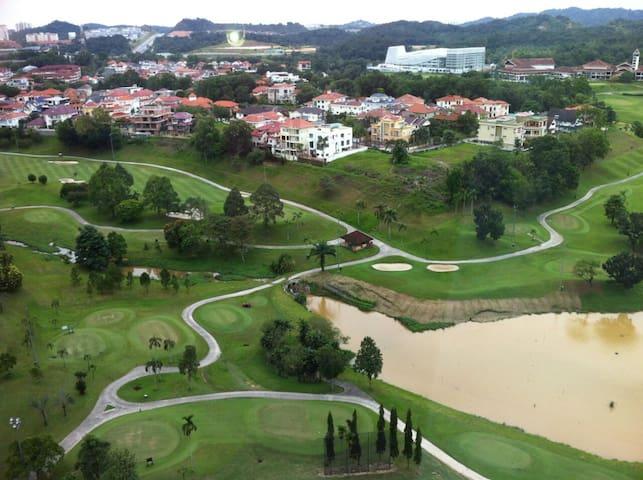 Easy access to KL, PJ, Putrajaya, S. Alam, Ampang - Kuala Lumpur - Apartamento