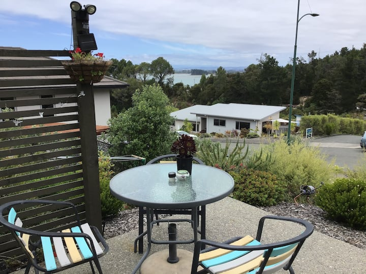 Cederman Studio. Walk to Kaiteriteri Beach No fees