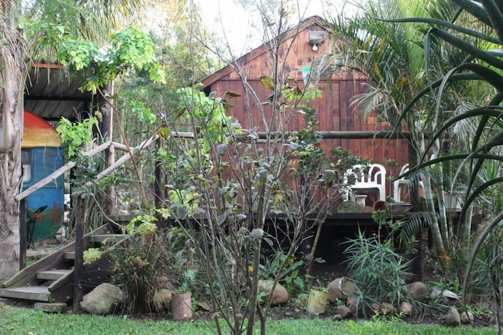 A RUSTIC STAYOVER - House of the Rising Sun Cabin - Mount Moreland - Chatka