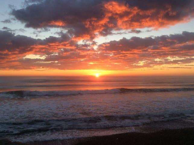 North Beach Lodge - perfect sunrise spot!