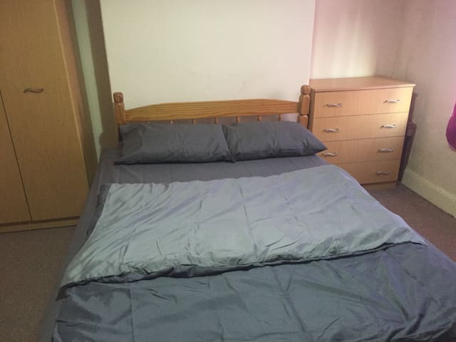 Nice Private Double Bedroom - Stoke-on-Trent - Ev