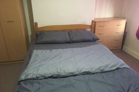 Nice Private Double Bedroom - Stoke-on-Trent - Casa