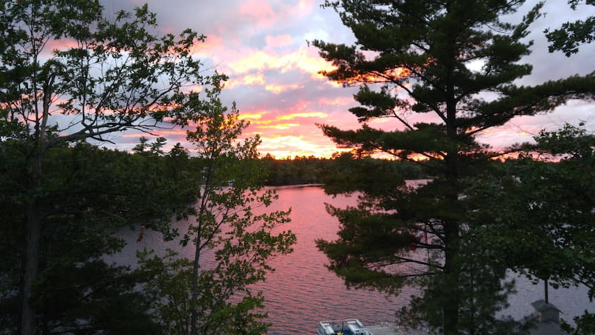 2 bdrm with loft for rent on Six Mile Lake
